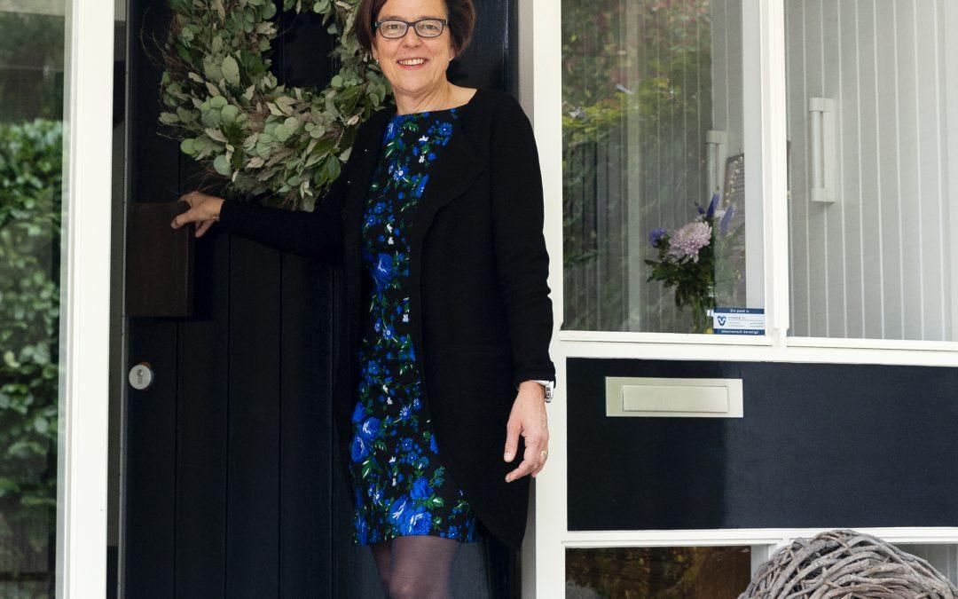 TOS8: Burgemeester vrouw nieuwe wegen inslaan